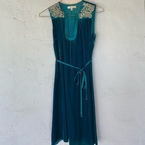Dresses & Skirts - Beth Bowley 2pc blue velvet dress w/faux 🐆 coat